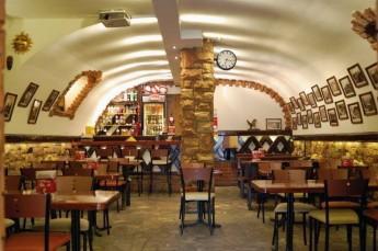 Szczawnica Restauracja Pizzeria polska włoska Red Pub